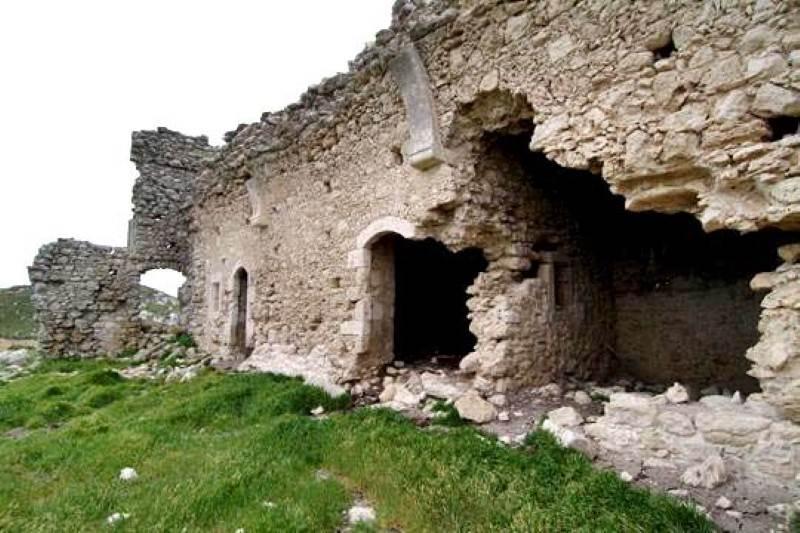 Φρούριο Θόλων στο Αλάγνι